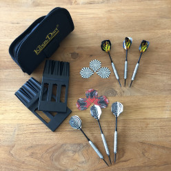 Kings Dart® 6 Steeldart-Pfeile und 6 Ersatzflights plus Darttasche